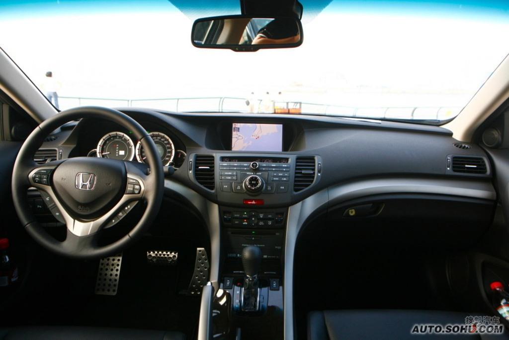 询底价看配置 2009款本田思铂睿试驾 - 驾驶席全景     提示:支持键盘
