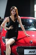 2011广州车展标致2号车模