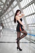韩国大胸车模写真 黑丝美腿性感撩人