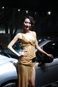 2012安徽车展车模姿态撩人