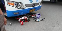 福州1天3起车祸致4死 目击者车速慢可避免悲剧