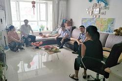 沧州市渤海大队教导员慰问支暑民警家属