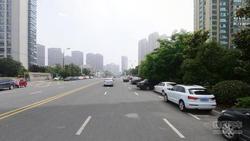 合肥科学大道两侧取消约400个临时停车位