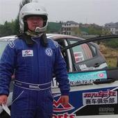赛车手廖世骏:借力车展推广中国汽车文化