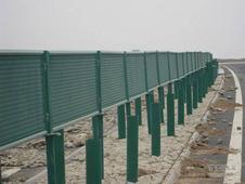 防眩板守护夜行 全市9大高架桥实现全覆盖