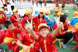 东风南方车主自驾公益行北京·大连站捐赠仪式