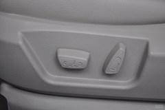 奔腾B501.6L 手动 尊贵型座椅调节图片