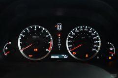 本田雅阁2.4LX仪表板图片