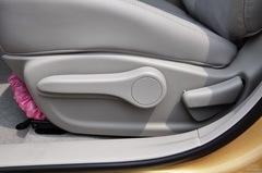 日产骐达2011款 1.6 CVT智能型座椅调节图片