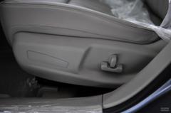奔腾B702.0MT 精英型座椅调节图片