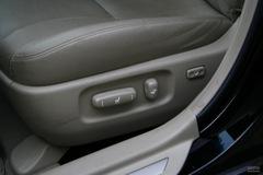 丰田凯美瑞240V G-Book智能领航版座椅调节图片