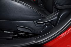 三菱翼神1.8L CVT 致尚版限量款座椅调节图片