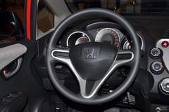 本田飞度1.3L 自动 舒适版方向盘图片