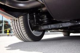 个性 沃尔沃/沃尔沃V6的还有一款3.0T直列6缸车型可供选择,售价49.99万元...
