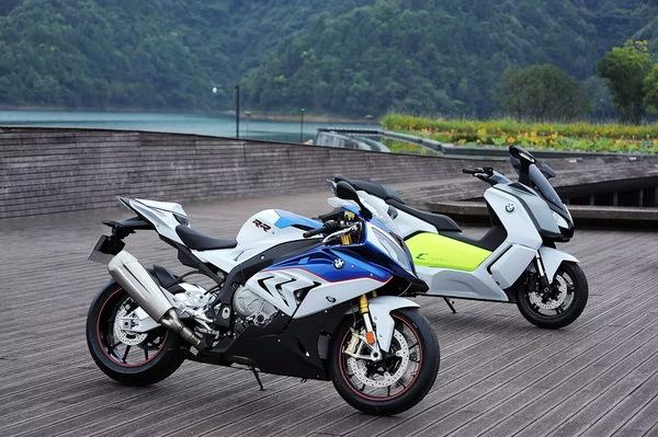 s1000rr/电动踏板 宝马两款摩托车上市