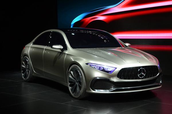 A级三厢版雏形 奔驰Concept A Sedan首发