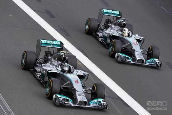 从四年多前拆伙迈凯伦,梅赛德斯经历了三个惨淡赛季,直到等来V6引擎的契机,终于成就了W05银箭赛车笑傲赛场的时刻。目前积分榜上,罗斯伯格与汉密尔顿依然领跑群雄。