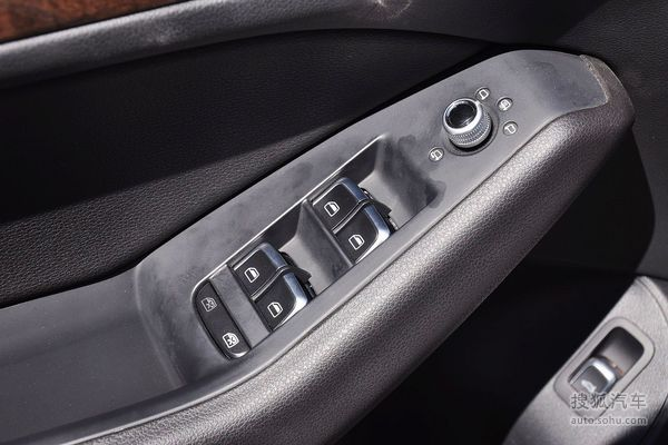 汽车门内部结构图解; 奥迪rs4自发光仪表盘中间带有