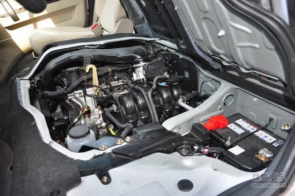 4l车型只保留了后排空调出风口,车内中控锁,abs,刹车辅助以及牵引力