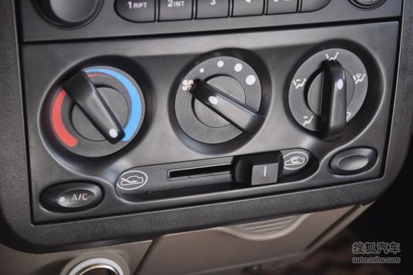 五菱荣光的空调控制面板