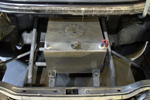 小汽车油箱内部结构图