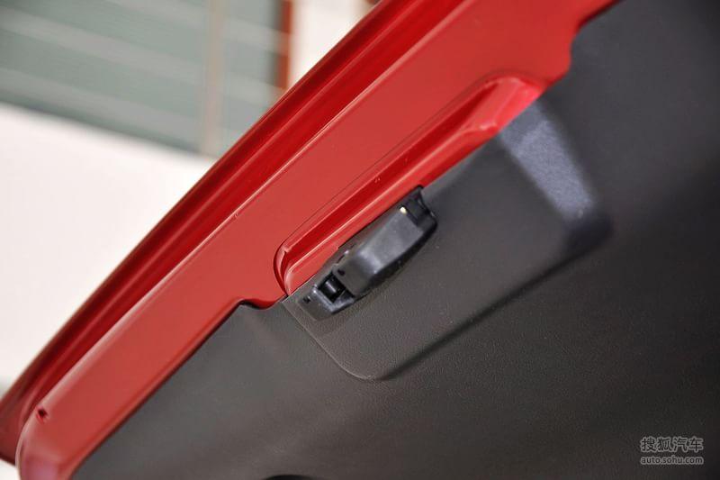 标致307两厢2012款1.6l 手自一体 舒适版底盘 动力t1311606图片 图库高清图片