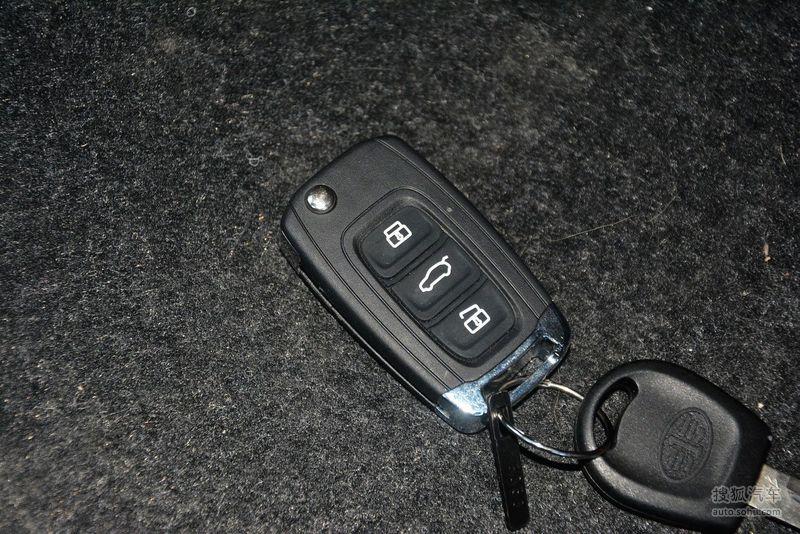 一汽天津一汽骏派d602015款骏派d60 1.5l手动舒适型