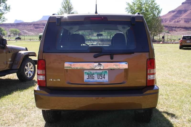 jeep吉普吉普汽车切诺基2011款吉普切诺基70周年纪念版高清图片