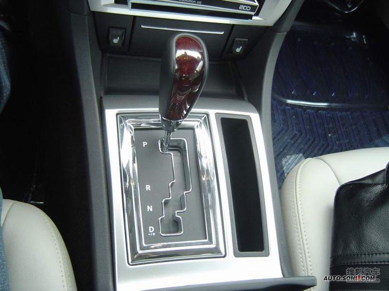 克莱斯勒300(进口)2006款国产克莱斯勒300c三亚试驾高清图片