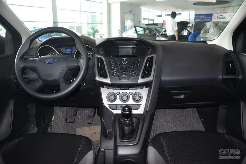 福特 长安福特 福克斯两厢 2012款福特福克斯两厢1.6l手动高清图片