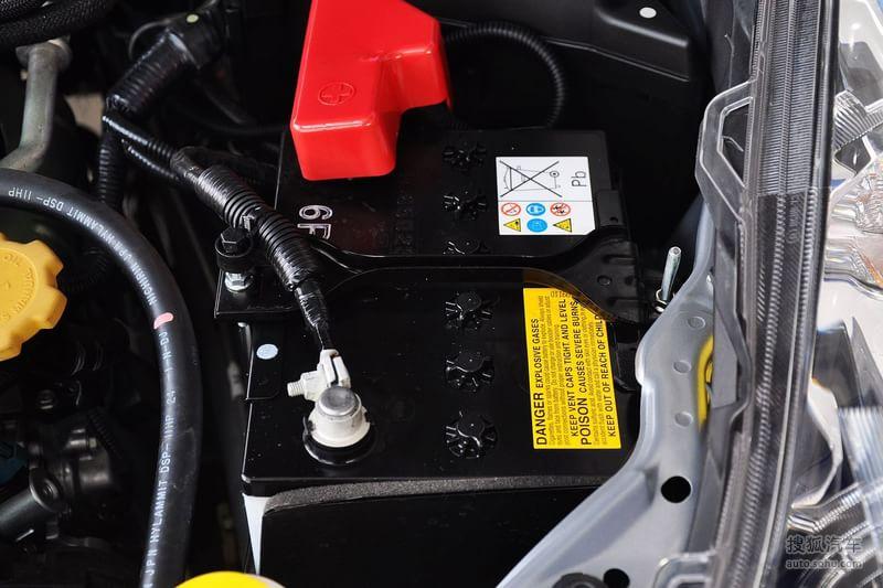 斯巴鲁 斯巴鲁汽车 傲虎 2012款斯巴鲁傲虎2.5i运动版 高清图片