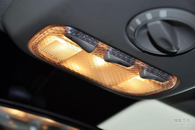 标致307两厢2012款1.6l 手自一体 舒适版内饰深色内饰m1311654图片 高清图片