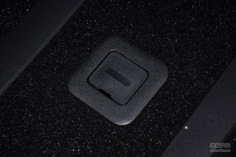 三菱进口三菱欧蓝德劲界2012款三菱欧蓝德劲界3.0l豪华导航高清图片