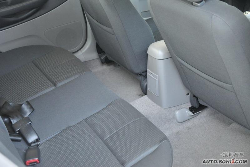 海马海福星2010款1.6L 舒适天窗版内饰m431666图片高清图片