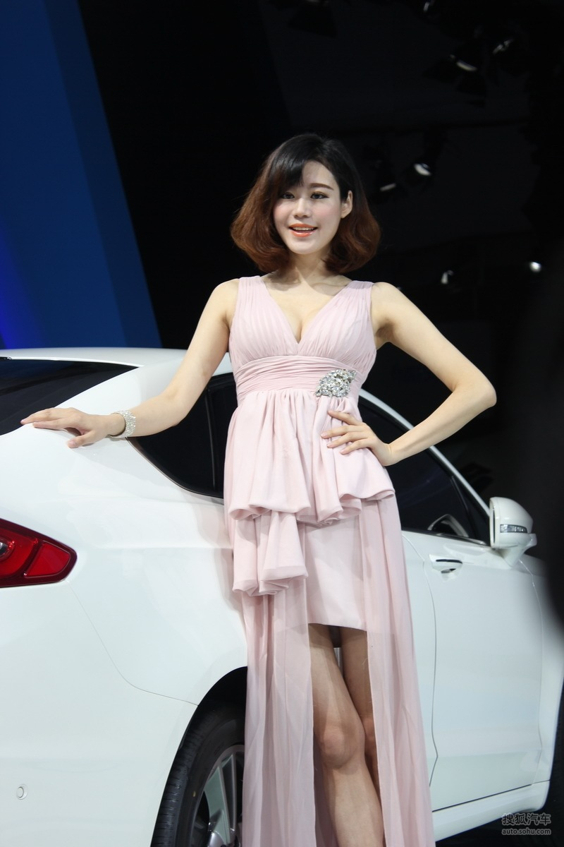 【2013青岛国际车展车模风采-福特车模2(2188770)】