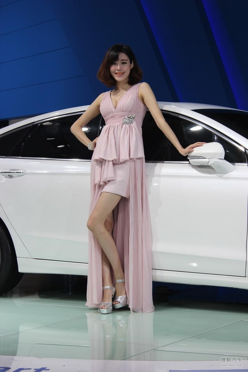 【2013青岛国际车展车模风采-福特车模2(2188774)】