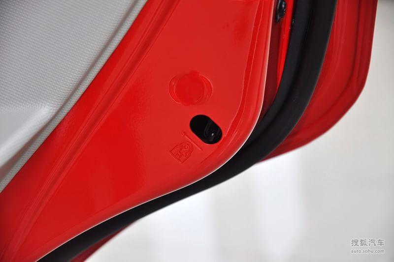雪佛兰上海通用赛欧三厢2010款雪佛兰赛欧三厢1.4l emt优逸高清图片