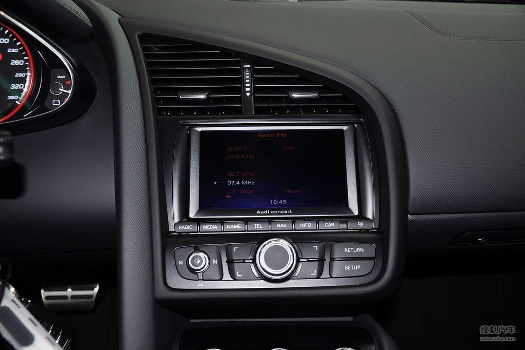 奥迪r82010款5.2fsi quattro改装黑色真皮内饰t1592906高清图片 图库高清图片