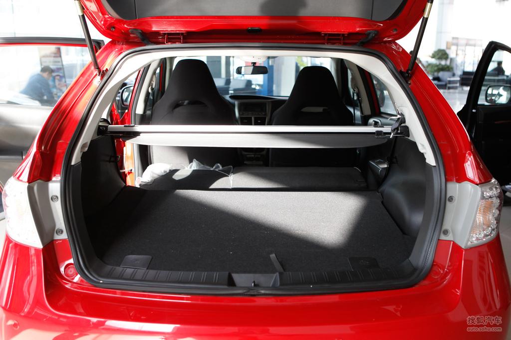 斯巴鲁翼豹两厢2009款2.0r 运动版底盘 动力g527922高清图高清图片