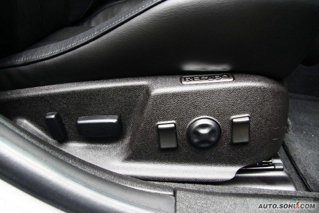 凯迪拉克cts v2009款6.2l高性能豪华轿车内饰t225274图片 高清图片