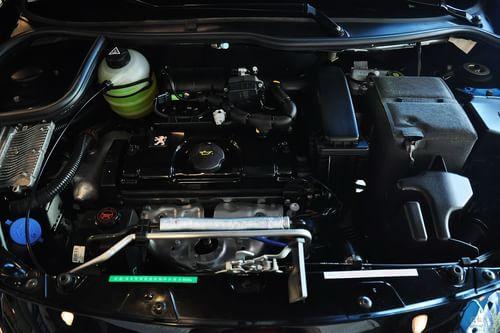 2011款东风标致207两厢 1.4L手动品乐版到店实拍