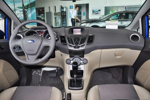 2011款福特嘉年华三厢1.5L自动时尚型