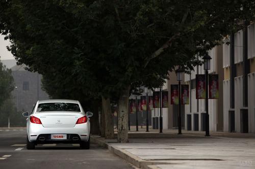 《中国汽车画报》试驾标致508