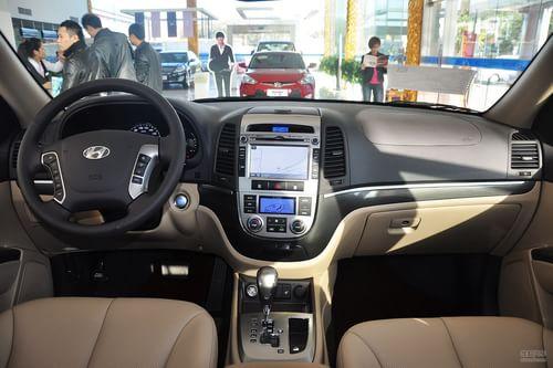 2012款现代新胜达 2.4L四驱至尊版