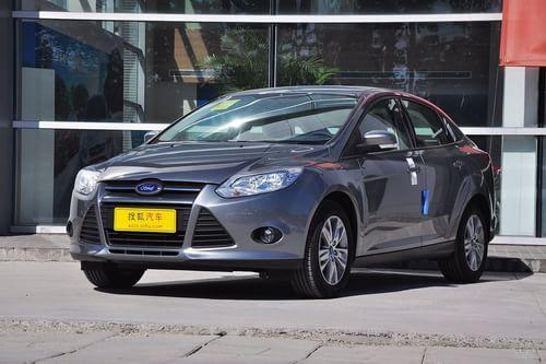 2012款福特福克斯三厢1.6L手动舒适型
