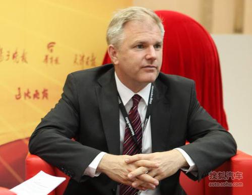 梅赛德斯-奔驰(中国)汽车销售有限公司销售及市场营销执行副总裁 郝博