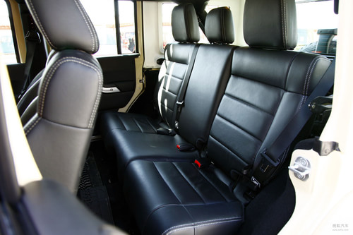 Jeep吉普 牧马人四门版 实拍 内饰 图片