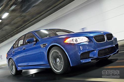 《中国汽车画报》试驾宝马M5