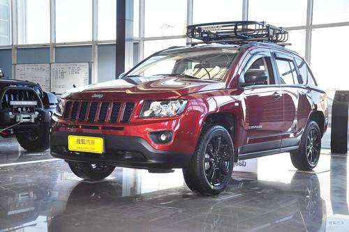 2013款Jeep指南者2.4L炫黑导航版