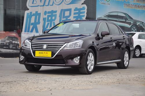 2012款一汽丰田皇冠3.0 Royal Saloon V